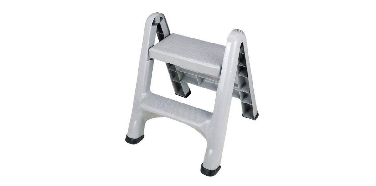 強強梯椅 Stool Item No. 02001 Size. W480xD530xH580 mm Color. 黑、藍、白 *貼心設計 單手即可收起,省時又省力 *止滑設計 底部附設止滑套,防止使用時移動