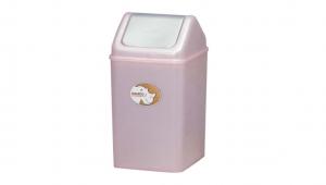 生活紙林(6L) Trash Can(6L) Item No. 08008(6L) Size. W180xD175xH315 mm Color. 紅、藍、綠 *加蓋設計 蓋子可固定塑膠袋,不易脫落