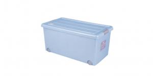 穌活整理箱(附輪)-70L Storage Box- with Roller Item NO. 03002(70L) Size. W740xD410xH340mm Color. 紅、藍 *附輪 底層附加活動輪,方便移動 *超大容量且內部平坦 可充分使用空間,放置物品零死角