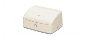 佳麗收納盒 Cosmetics Box- 3 Layers Item NO. 133 Size. W270xD207xH145mm Color. 紅、白 *創意設計 便利式下壓開關 *專利新穎圓弧造型,流線外觀適合高品味的居家生活