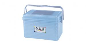 中綿羊可愛提籃 Carry Box(M) Item NO. 150 Size. W390xD260xH236mm Color. 紅、藍、綠 *貼心設計 把手設計隨身攜帶好便利 *小盒設計 上蓋附有小盒,方便收納小配件