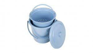 分類回收ㄆㄨㄣ桶 Food Scrap Can Item No. 8210(10L) Size. W310xD290xH295 mm(10L) Color. 紅、藍、綠 *貼心設計 輕鬆把手設計,乾淨不沾手 *濾網設計 專利導流濾網,快速瀝乾廚餘