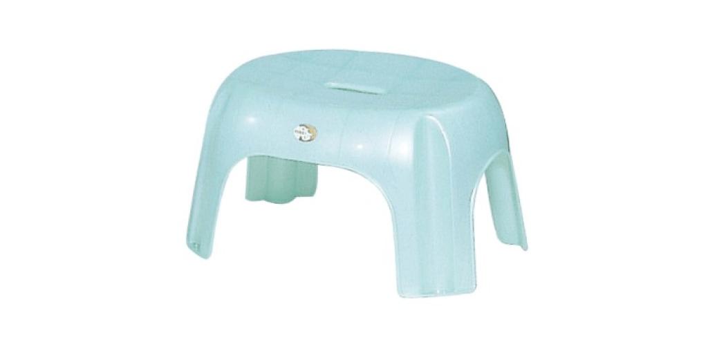 健康椅 Stool Item No. 9941 Size. W420xD325xH240 mm Color. 紅、藍、綠 *椅面寬,後緣凸起,符合人體工學,乘坐舒適