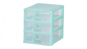 小可愛置物架-三層 Storage Cabinet-3 Drawers Item NO. AB03 Size. W160xD230xH190mm Color. 紅、藍、綠 *拉環設計 把手拉環設計,好拉易開 *可作為文具小物收納之用 *透明抽屜,資料清晰可見