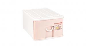 小生活抽屜式整理櫃-單層 Storage Cabinet(S)- 1 Drawer Item NO. NL310-E (17L) Size. W305xD405xH210mm Color. 紅、藍 *拉環設計 把手拉環設計,易拉好開 *搭配[小時尚收納盒]一併使用收納分類更方便