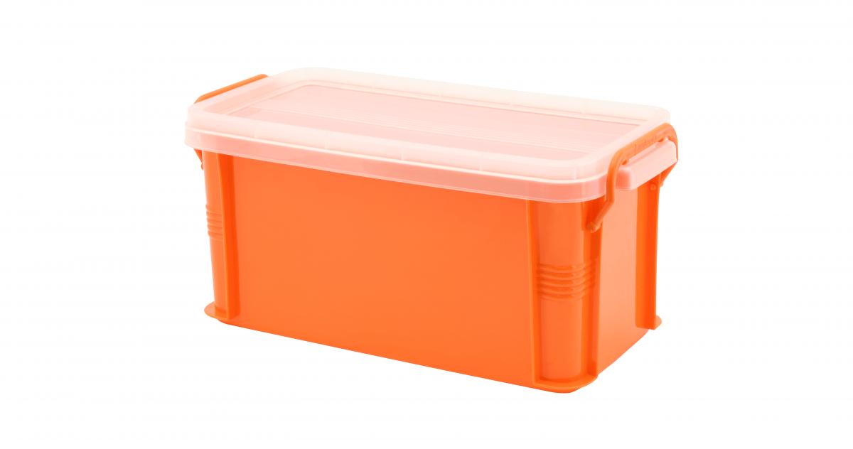 達人收納盒(M) Container (M) Item NO. ST-06(6L) Size. W340xD168xH160mm Color. 紅、藍、綠、橘 *把手設計 順暢好扣不易鬆脫 *堆疊設計 方便堆疊,節省空間